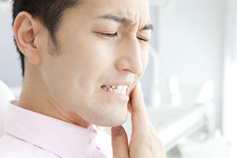 歯の金属が身体に与える影響とは